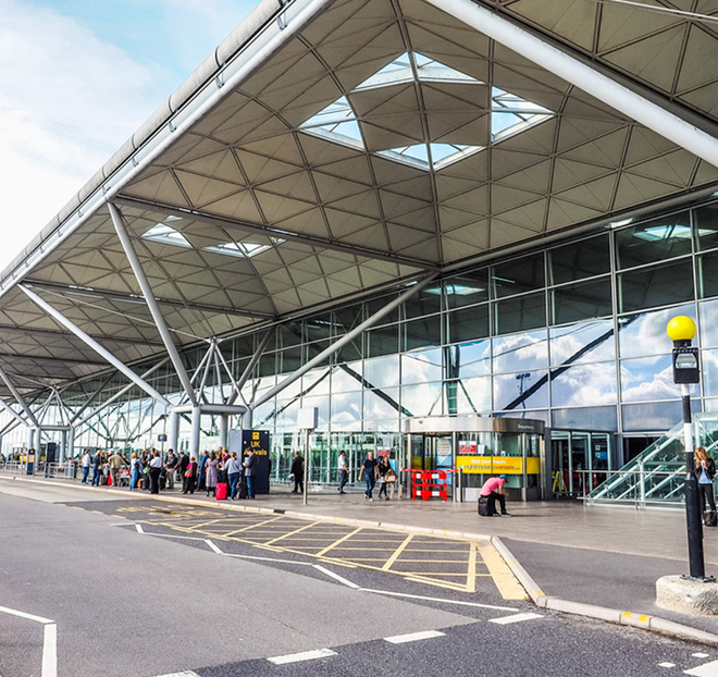 Stansted To Manchester Airport Taxi Transfer
